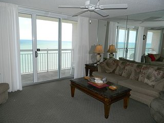 Your Paradise Found! Luxury Condo Home with Pools, Hot tubs, Grills