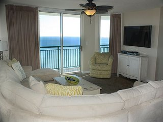 Windy Hills Ocean Front Deluxe Condo w/ Spectacular Views Awaits You!!