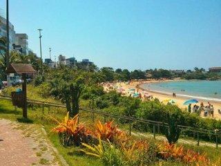 Guarapari enseada azul Praia de Peracanga. 2 qts quadra da praia