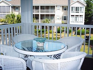 All You Need! Beautiful Hi-End Condo! 6 pools, hot tubs, gym, beach nearby