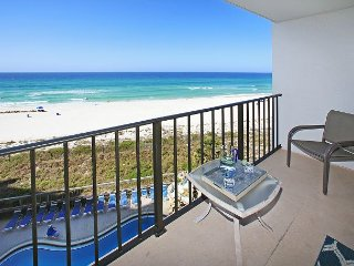 OPEN 5/28-6/3 ONLY $1295 TOTAL! BEAUTIFUL 5TH FLOOR UNIT WITH AMAZING VIEWS!