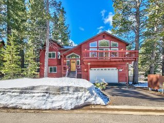 Blackfoot Family Estate–Sparkling Clean & New, Hot Tub, Mtn Views, Pool, South Lake Tahoe