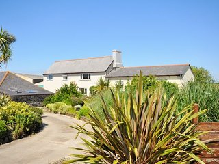 TREWE Cottage in Mullion Cove