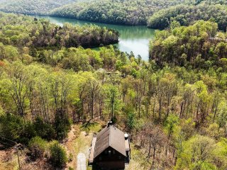 NEW-Prime 3BR New Tazewell Cabin w/Lake Views