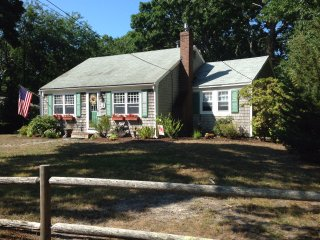 Karen's Cape House - w/ AC; .2 Mi to Long Pond Beach 1.8 Mi to Bass River Beach, South Yarmouth