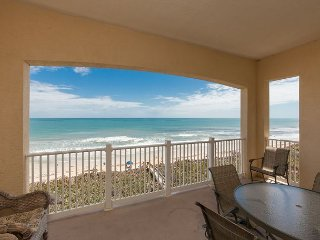 Top floor Direct Oceanfront Unit 864 in the 900 Building! Close to the pools!
