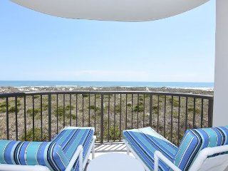 DR 2206 - Cozy oceanfront condo with a pool and tennis courts, Wrightsville Beach