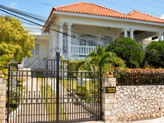 Paradise Palms Jamaica Villa