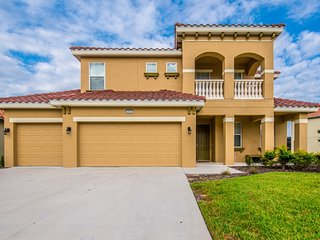 NEW 6BR 5Bath Solterra home with south facing pool and pool table from $213/nt