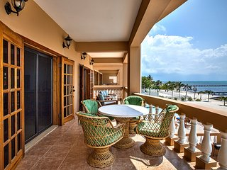 AMAZING VIEWS, BREEZES, & POOL/BEACH ACCESS! 3BR/2BA - Hol Chan Reef Resort