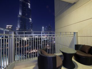Burj Khalifa View 3 BR Apartment