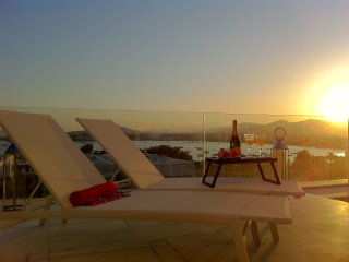 Luxury apartment Talamca beach, private pool, next to ibiza,4 bedrooms, Es Pouet, Talamanca