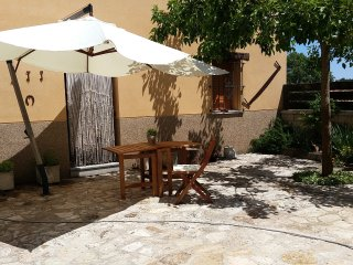 House with 4 rooms in Galapagares, with garden, furnished terrace and WiFi, Soria