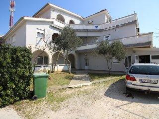 Apartment Lora 1