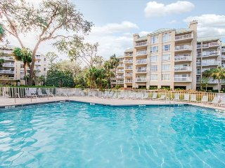 Palmetto Dunes Oceanfront Condo w/ POOL! June 17-24 $2800 TOTAL. CALL NOW