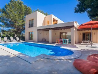 Villa Carma near the beach perfect for lazy days in Ibiza with family& friends