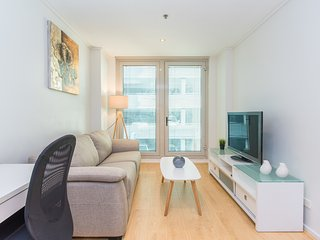A cosy 2BR apartment in the heart of the CBD