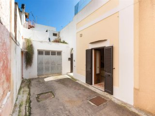 812 Apartment in the Old Centre of Casarano