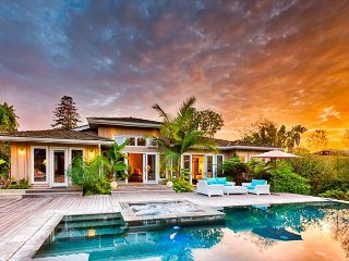 25% OFF AUG - Extraordinary Home, Infinity Pool, Spa, & Tennis Court