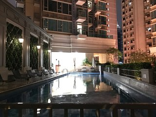 Luxury,Wanchai,Chinese Condo+ high flr+ 3 mins MTR