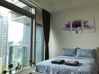 Luxury,Wanchai,Chinese Condo+ high flr+ 3 mins MTR