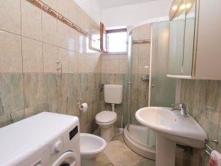Apartment 3911