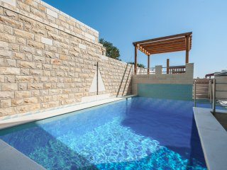 True heaven for holidays with friends & family - Amazing 6BR 6BA villa with pool