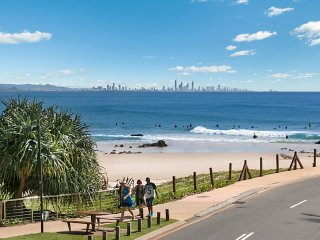 Pacific View unit 4 -  Beachfront Rainbow Bay Coolangatta