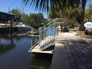 Lovely Canal Front Home - Bring your Boat!, Englewood