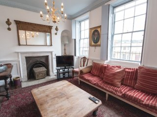 Stunning Grade II listed 6 bedroom Georgian townhouse