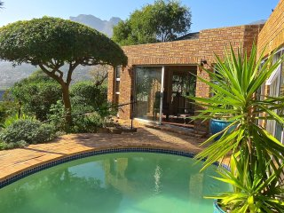 Cape Town Luxury Bungalow. Hout Bay Hilltop.