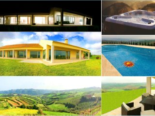 Luxury modern villa with breathtaking views to the countryside and sea!, Ericeira