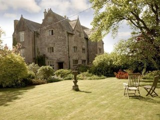 If you have ever fancied staying in an old Manor House  you will love it here