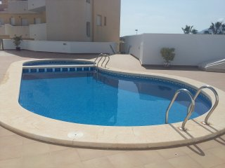 Luxury 2 Bed Apartment with Wi-Fi and Pool, Walk to beach, bars and restaurants, Puerto de Mazarron
