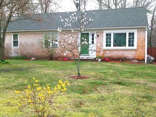 Remodeled GEM in Osterville with BEACH PASS!! 134586