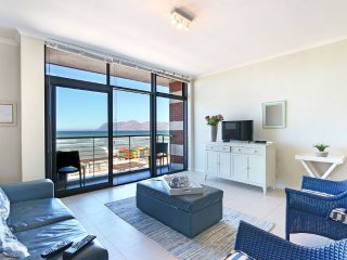 Apartment in Cape Town with Lift, Parking, Balcony, Washing machine (503983)