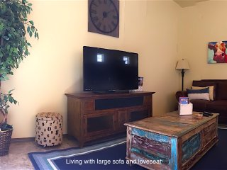 Location!! Beautiful 3 bed 2.5 bath Townhome close to Golf, Dining, Shopping, Las Cruces