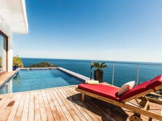 Casa Jade, Amazing views to the Sea, Roca Llisa
