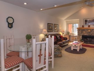Cozy Condo Sleeps 6 Walking Distance to Incline Beach ~ RA3531