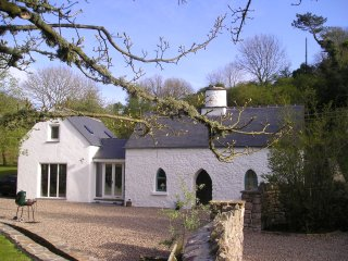 Shute Cottage,perfectly placed for a holiday.  Short listed for National Award., Tenby