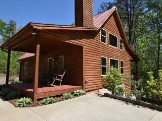 Laurel Mountain Lodge - 3 BR, 2.5 BA, Fire pit, WIFI, Poker Table!