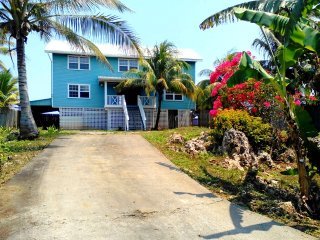 Eco del Mar, Water Front House for rent  in Flowers Bay