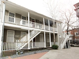 Downtown Charleston Apt at Cannon & King St: Sleeps 4, Off-Street Parking 2 Cars