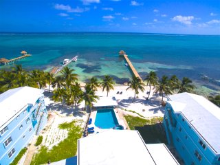 YES!  RENT ME IN BELIZE! - Gorgeous Penthouse 3 bedroom Villa w/water toys &