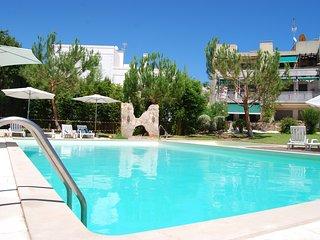 Apartamento T2 com vista para piscina & Wi-Fi