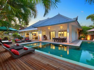 BRANDNEW*BELLA*4BED/4BATH*SEMINYAK*66BEACH, Seminyak