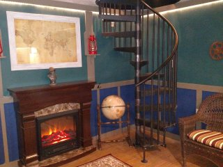 Nautilus - 1 BD Upstairs Condo, Spiral Stairs, Kitchen, Fireplace, Beachfront, Lincoln City