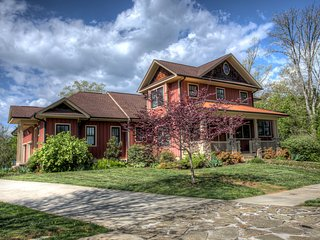 Lakeway Lodge, Mills River