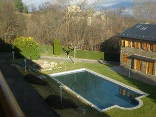 Apartamento duplex con piscina en La Cerdany