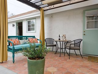 Culver City Arts District 2 Bedroom/Private Patio